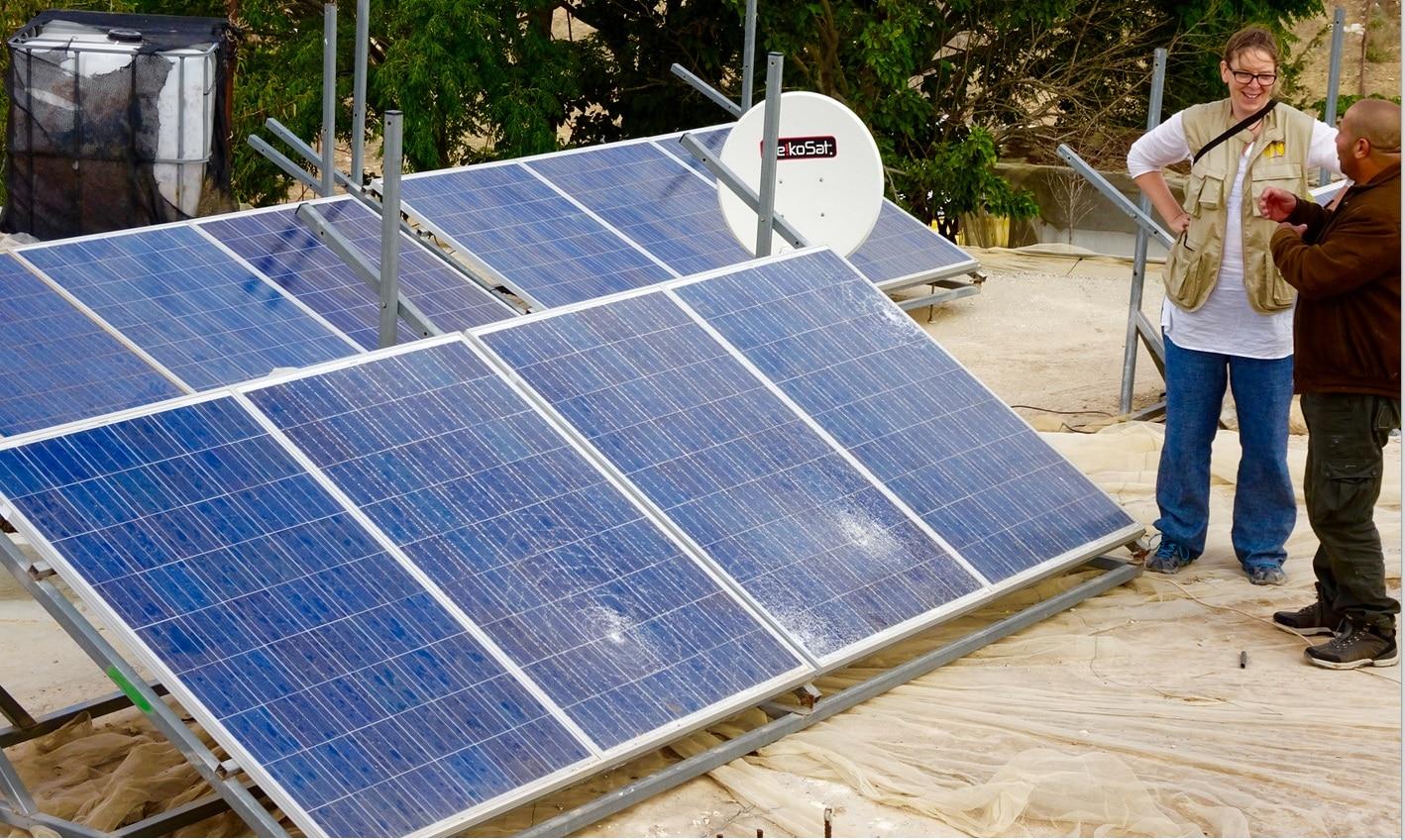 ASeefer-Panneaux solaires endommagés par les colons-61015