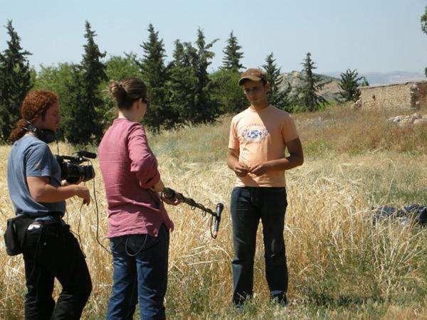 Un agronome en formation explique les travaux menés, DR Association Abel Granier